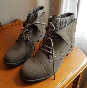 Madden girl boots-new